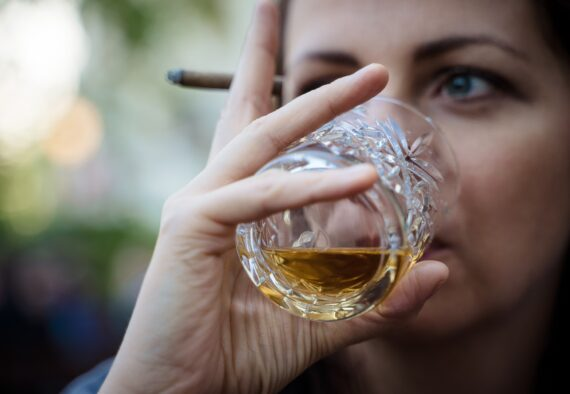5 Warning Signs That You May Need Alcohol Addiction Treatment